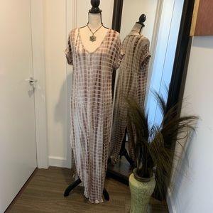 Dresses & Skirts - V Neck Tye Dye Maxi Dress
